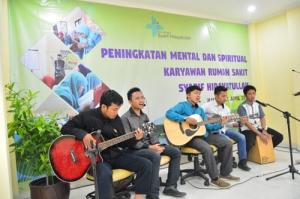 Peningkatan Mental dan Spiritual Karyawan _1